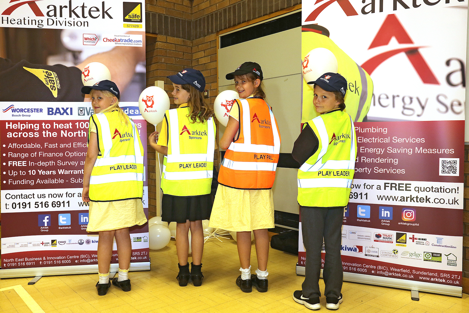 Fatfield Primary School Play Pal and Play Leaders Sponsored by Arktek