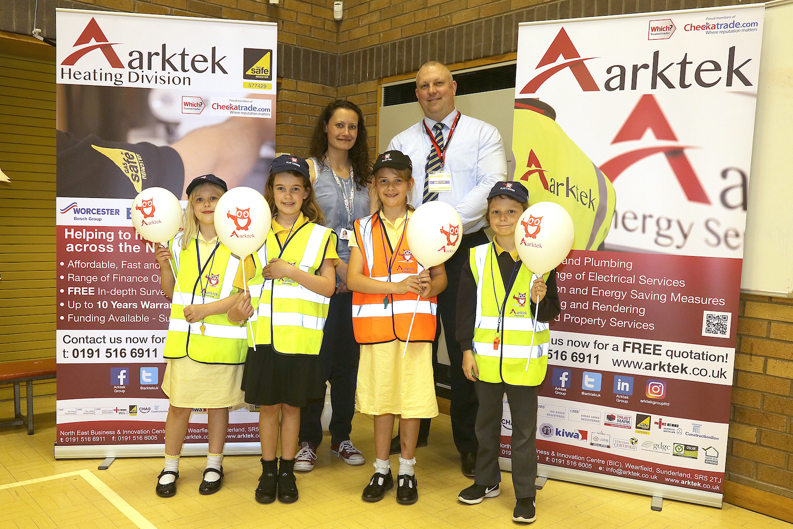 Mark Bewick, Managing Director of Arktek with Fatfield Primary School Play Pal and Play Leaders sponsored by Arktek.